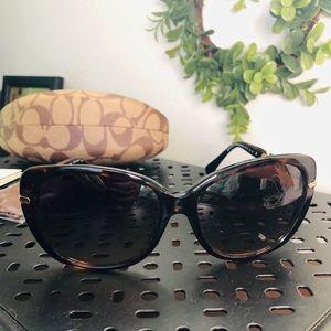 NWOT Coach Sunglasses 🕶